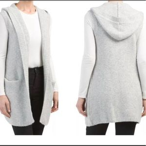 Tahari gray wood-blended sweater vest with hood